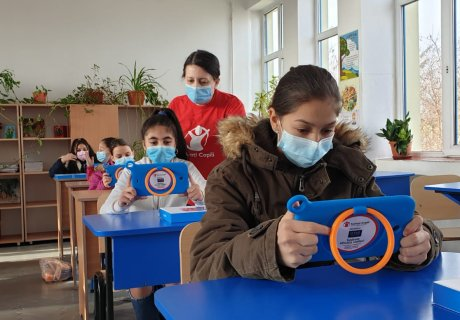 Supporting education together with Save the Children Romania